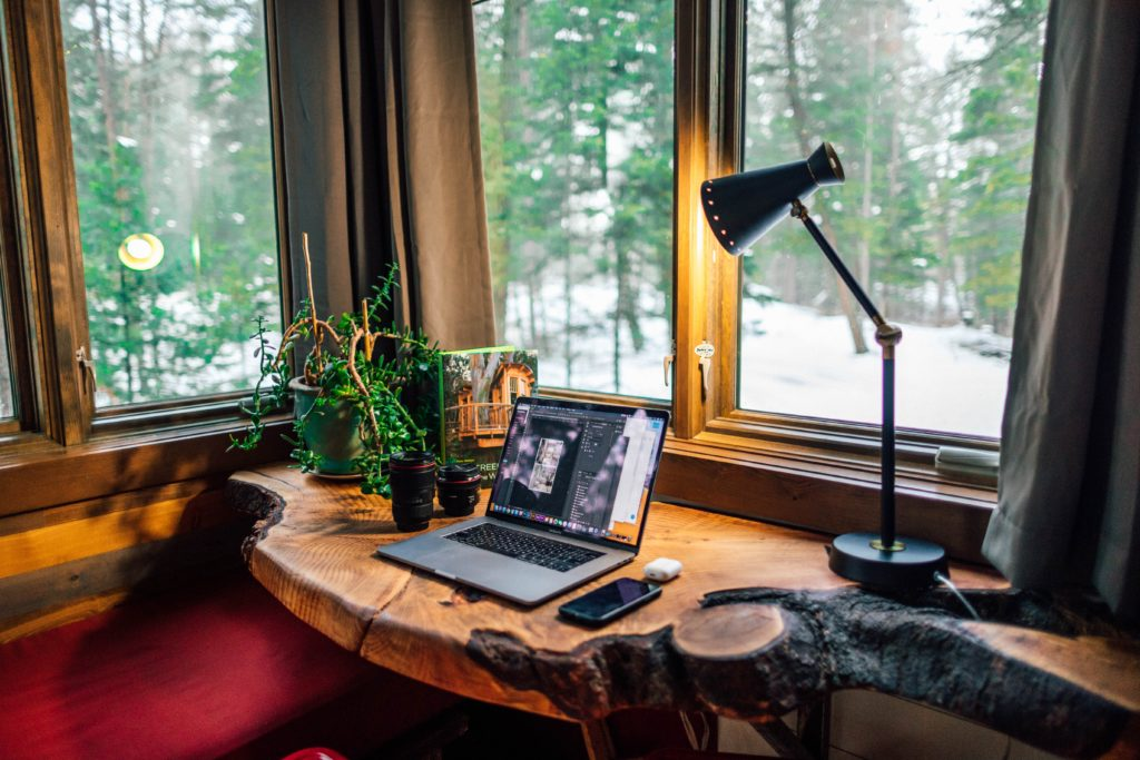 Top Tips For Creating A Functional Workspace at Home